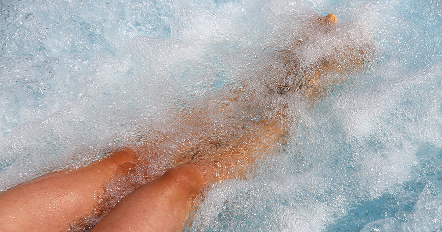 girls-legs-in-spa-with-bubbles
