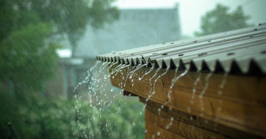 rain-running-off-shed